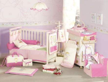kamar bayi perempuan pink