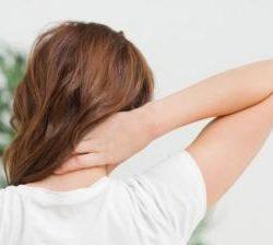 penyebab salah bantal